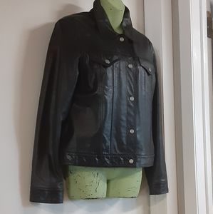 NWOT / GUESS black leather jacket